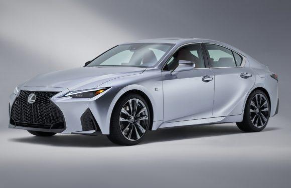 Lexus ја крати европската гама