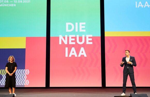 Opel им удри шлаканица на организаторите на IAA