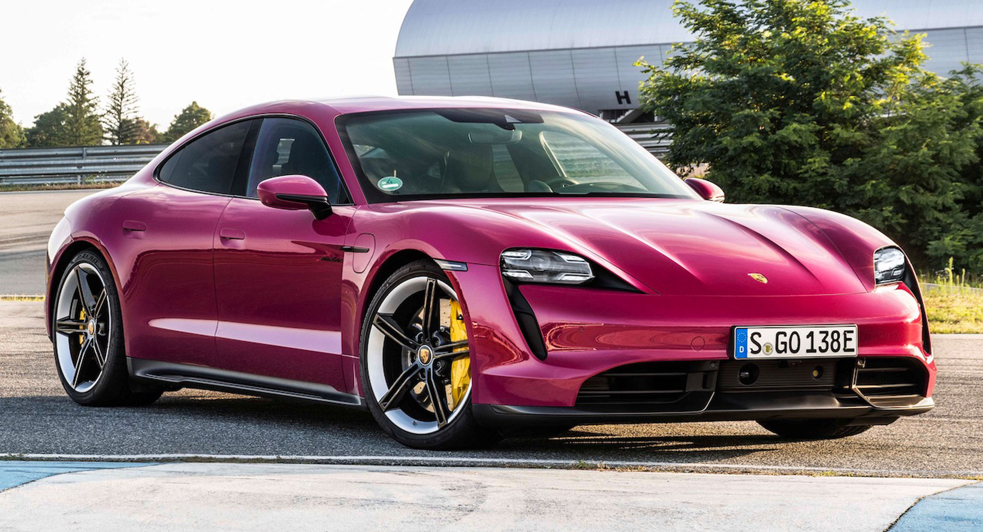 Porsche ќе гради фабрика во Малезија
